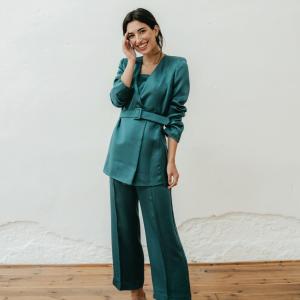chaqueta Greta Verde de Chiribita con conjunto