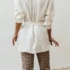 conjunto de Camisa Candy Blanca y Pantalón Jacquard Berry Morado de Chiribita por detrás